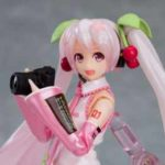 桜をイメージしたかわいらしい装いの「桜ミク」のフィギュアが登場!